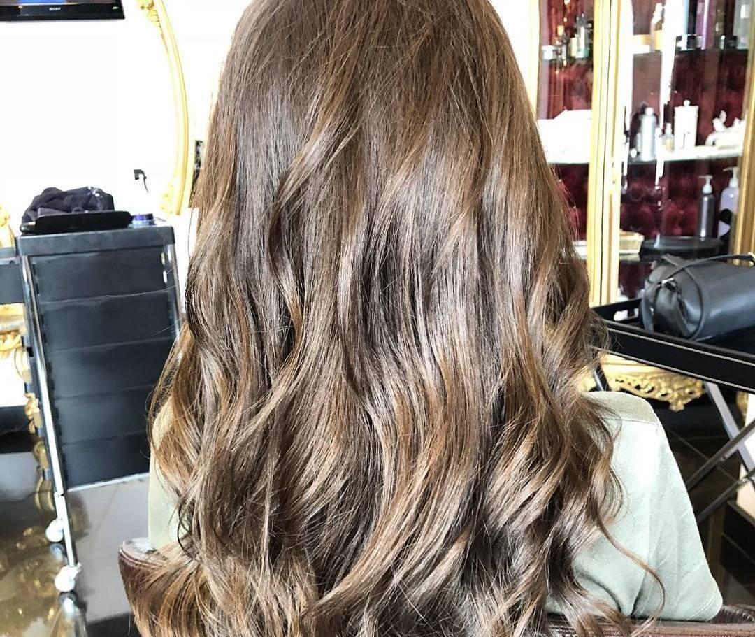 Однако процедура «Счастье для волос» возможна и в домашних условиях! Из-за ее простоты многие девушки решаются самостоятельно комплект средств для проведения процедуры. На это вполне може...