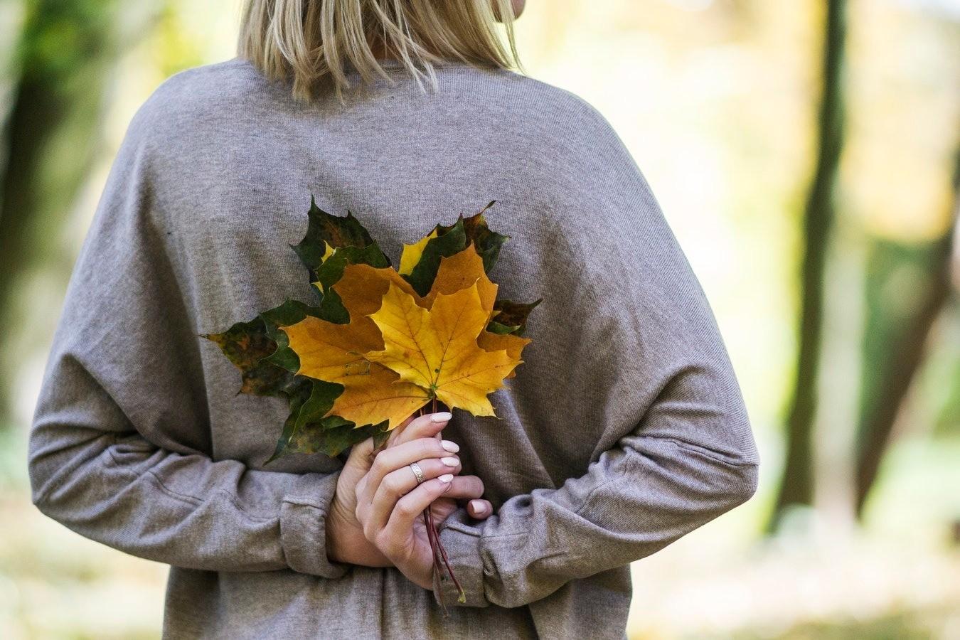 4 осенних гадания на любовь, будущее и счастливый брак