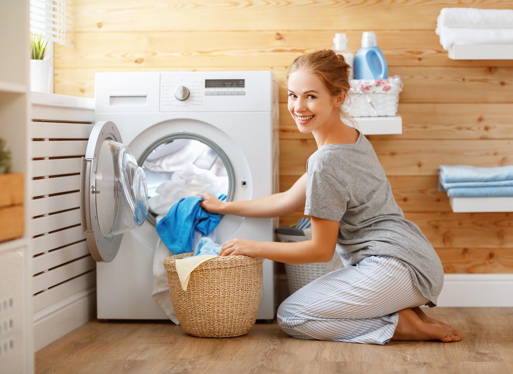 Как правильно стирать вещи: 12 лайфхаков для домохозяйки