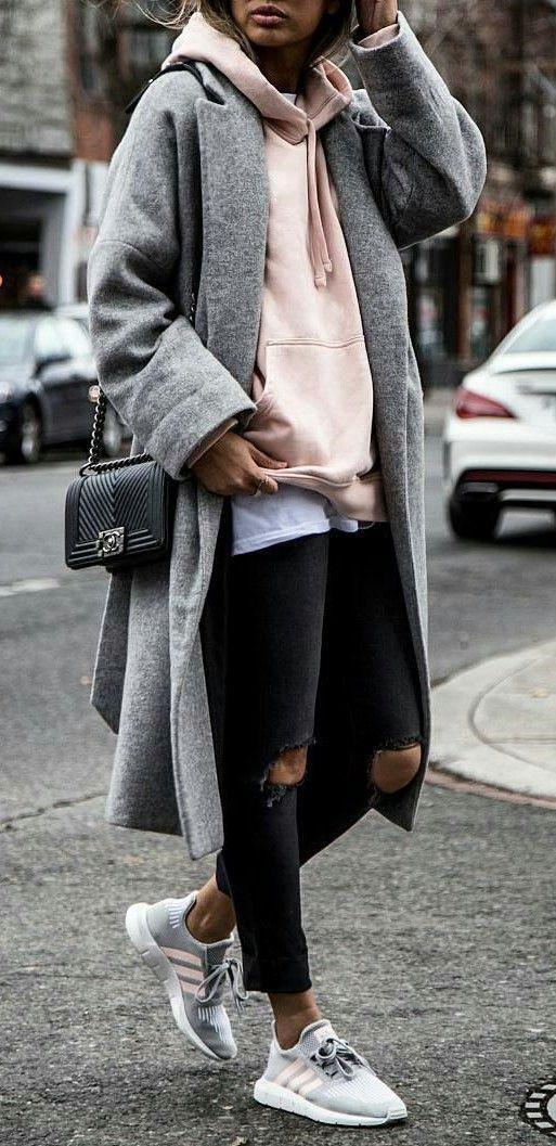 Джинсы скинни + длинная рубашка + объемная толстовка + пальто оверсайз