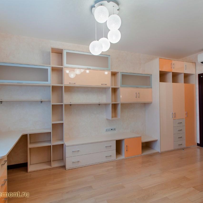 Пару десятилетий назад подобная «красота» была в тренде. Те времена прошли, но наши мебельные фабрики продолжают выпускать такую мебель, хотя выглядит это жутко безвкусно и уже давно неак...
