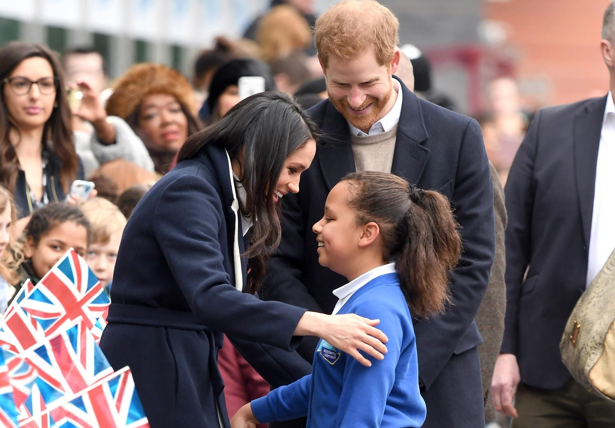 Репетиция родительства: 7 самых милых фото Меган Маркл и принца Гарри с детьми
