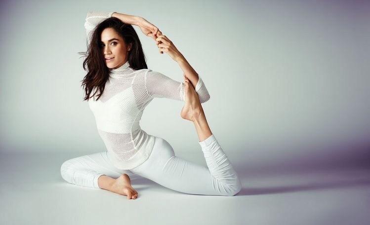 Пилатес или йога - выбирать тебе, а Меган Маркл пробовала себя в обоих направлениях. Ее мама работала инструктором по йоге, так что Меган шутит, что практика у нее в крови. Ее любимые нап...
