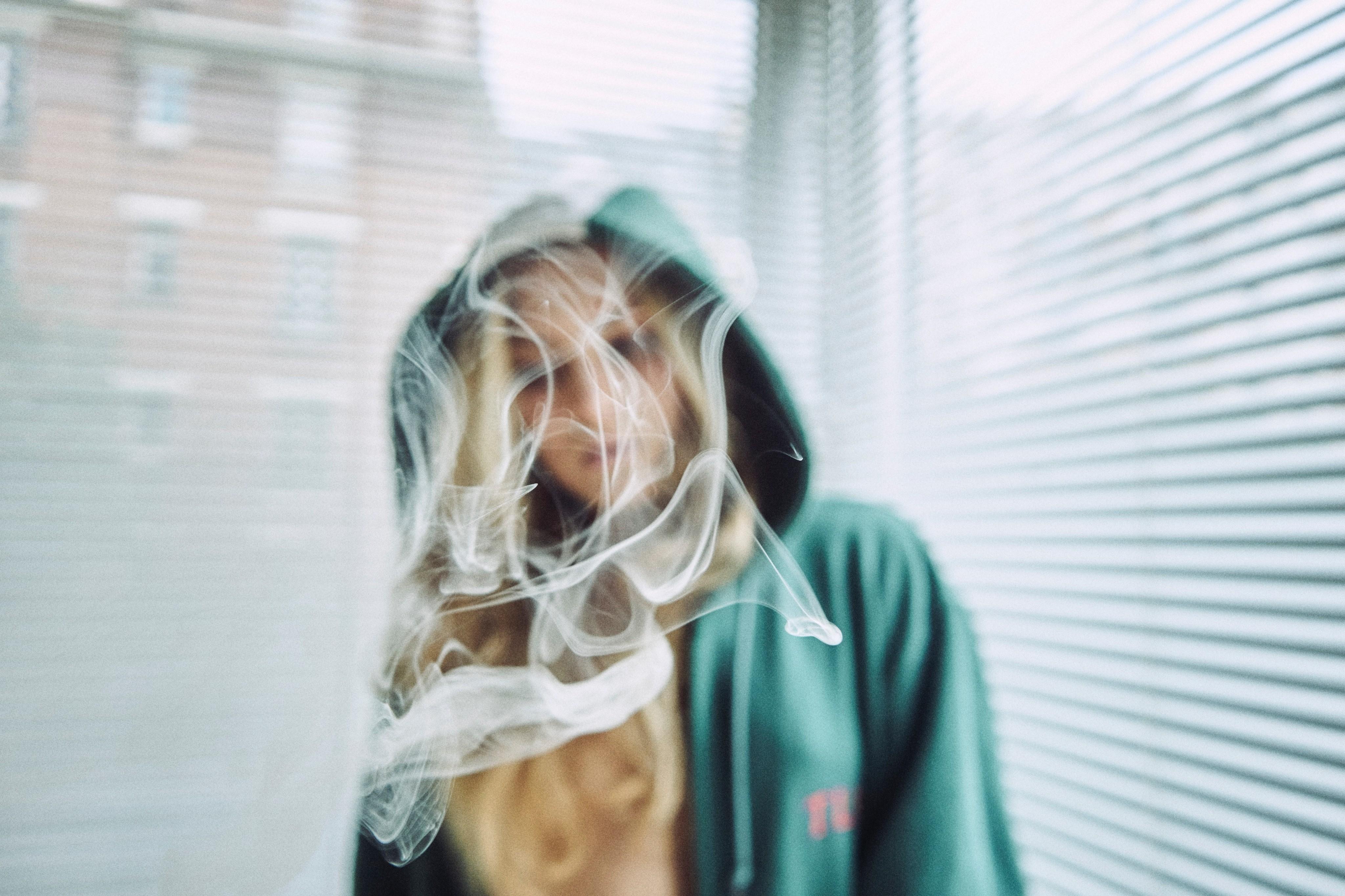 4 женских истории, о том, как бросить курить после 30 лет