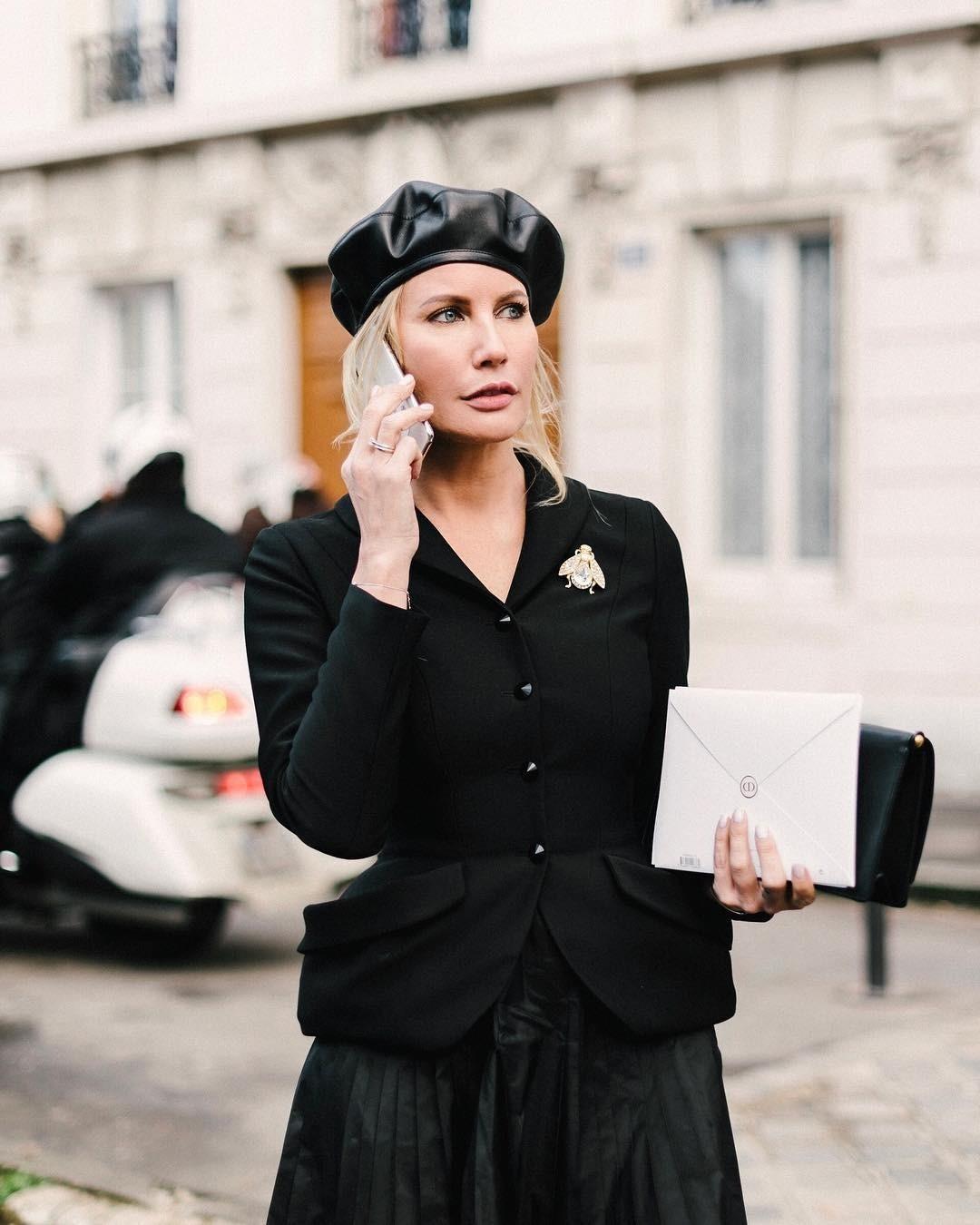 Елена Летучая показала, как нескучно носить черный осенью: 3 готовых образа
