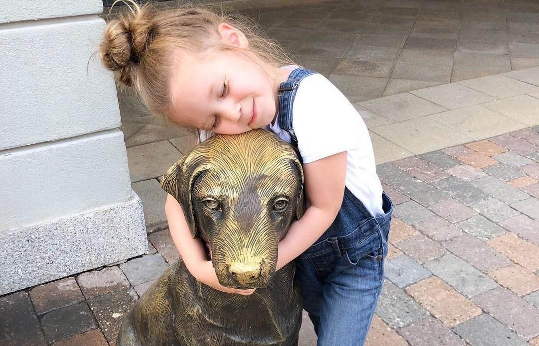 «Как на папу похожа!»: Кристина Асмус показала лицо подросшей дочки
