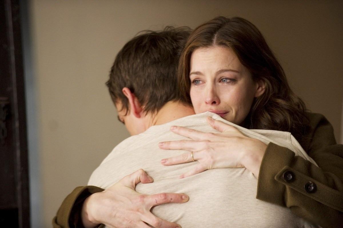 Больно, обидно, а бросить не могу: почему женщины вступают в созависимые отношения?