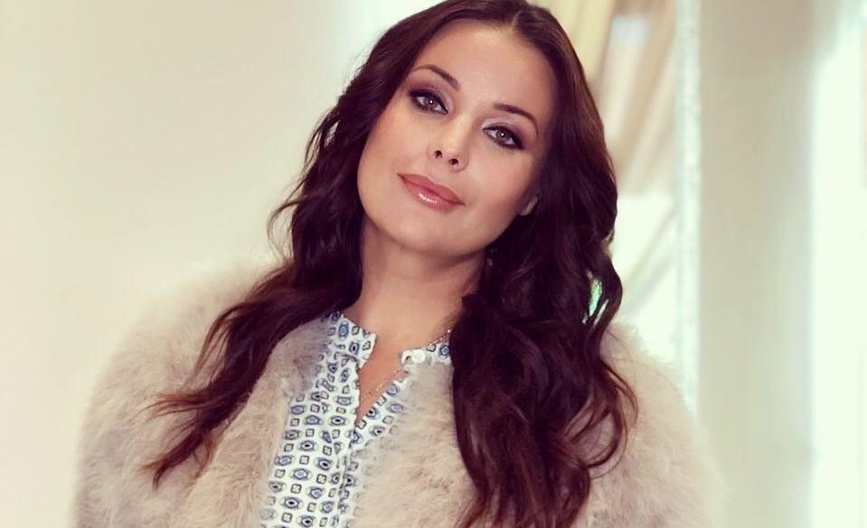 «Просто ангелочки!»: Оксана Федорова показала повзрослевших детей и поделилась советами по воспитанию