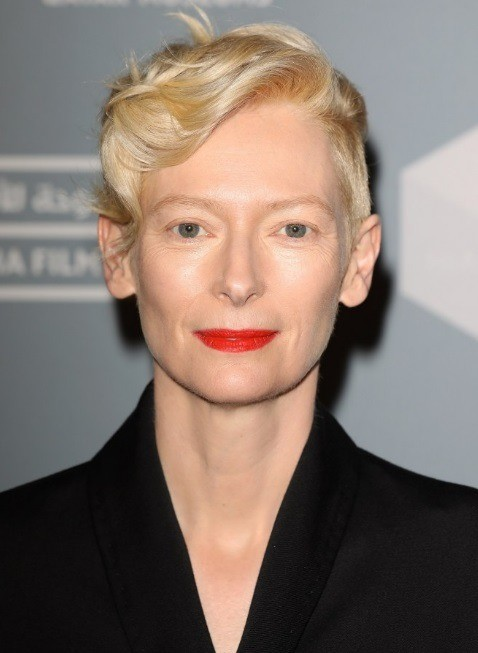 Да-да, как ты поняла, пикси - универсальная стрижка, независимо от твоего цвета волос. Она прекрасно смотрится на блондинках, кроме того, светлые волосы смягчают резкие линии лица, подчер...