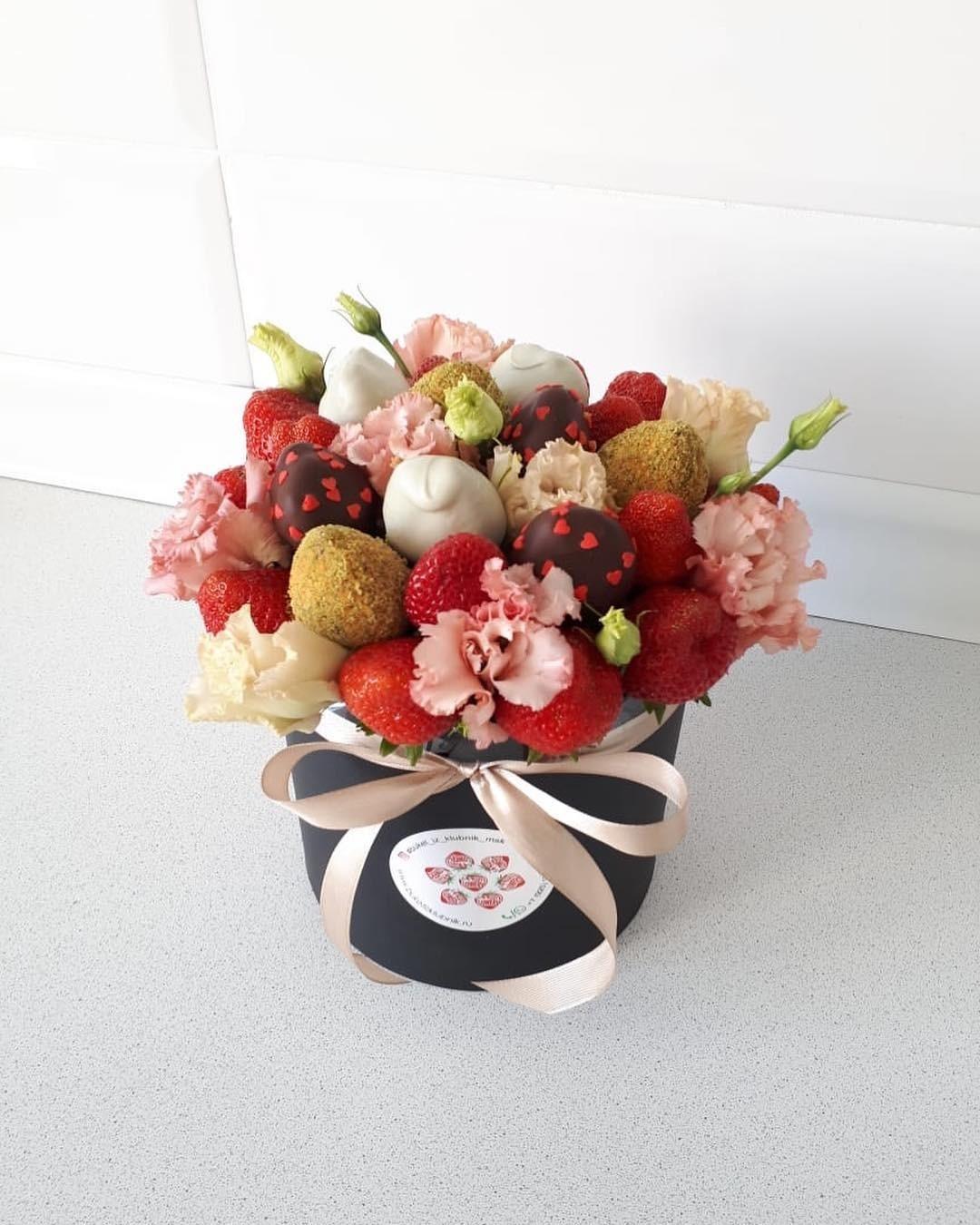 fruktovie-buketi-gubka-floristicheskaya-svoimi-rukami-foto-poshagovo