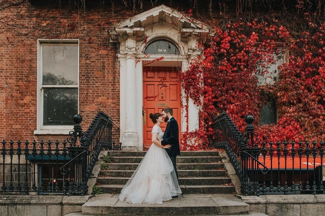 Свадьба осенью: что надеть невесте, жениху и гостям