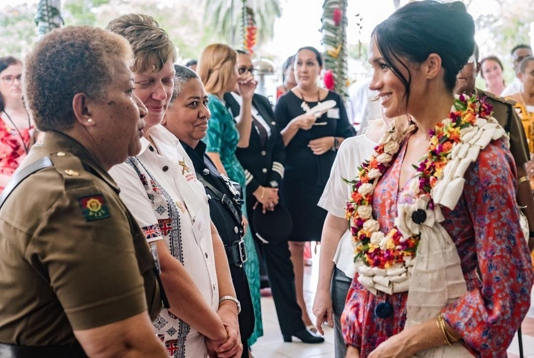 Беременной Меган Маркл стало плохо посреди рынка на Фиджи