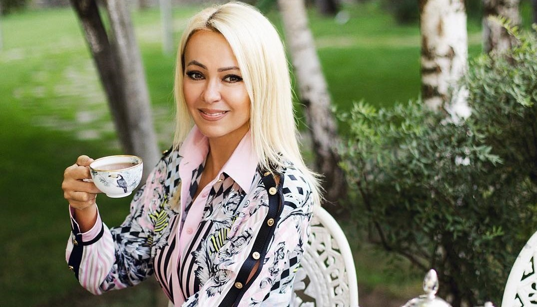 «На гречке и капустке»: Яна Рудковская насмешила поклонников скудным завтраком