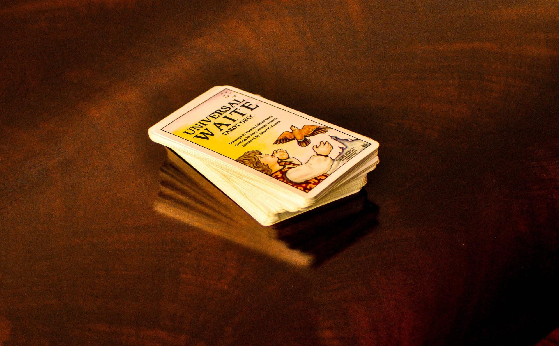 Карты таро для начинающих: как быстро научиться гадать самостоятельно?