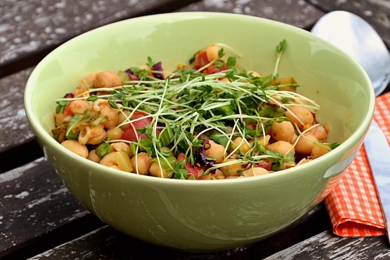Что приготовить из бобовых: 4 простых, полезных и очень вкусных блюда
