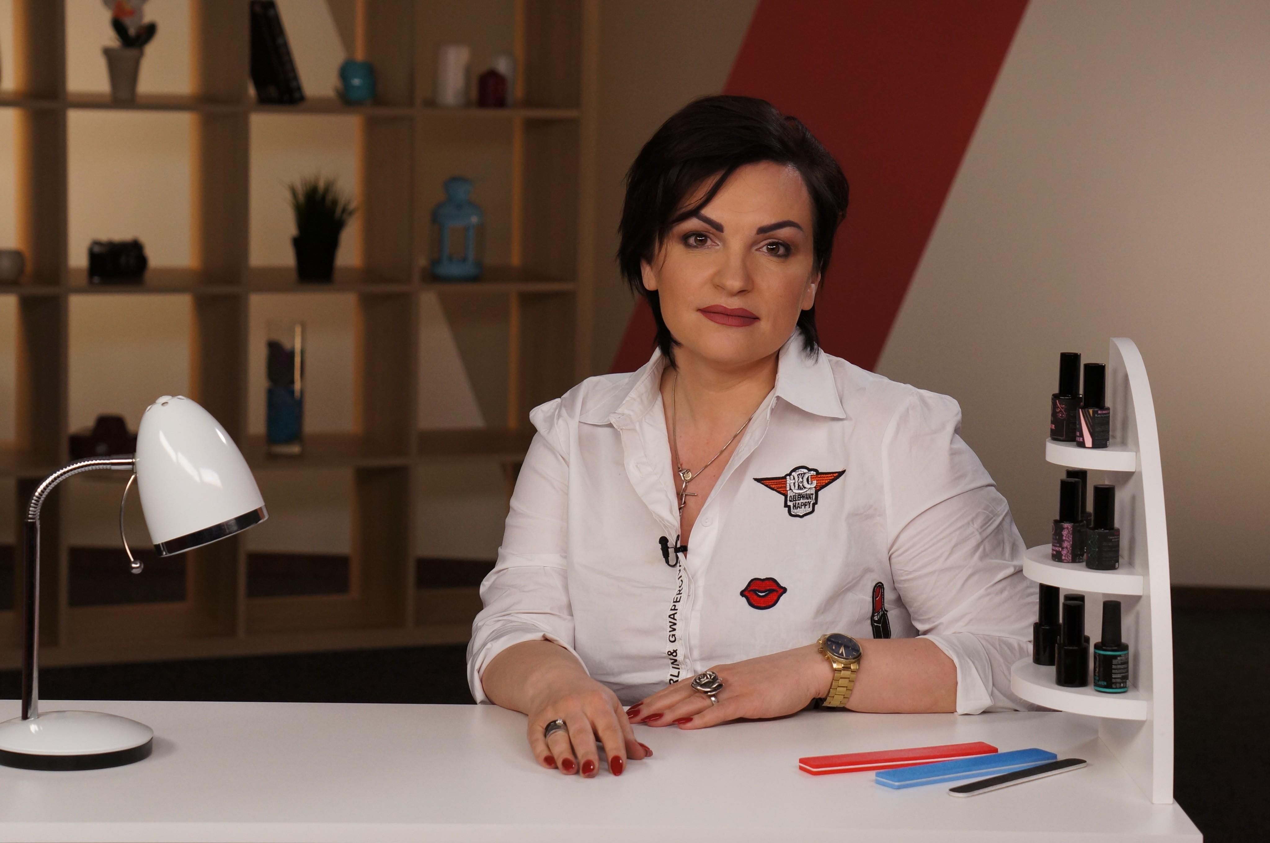 Елена Литвинова, автор онлайн-к...