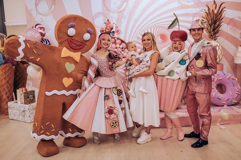 Влад Соколовский не пришел на празднование первого дня рождения дочки