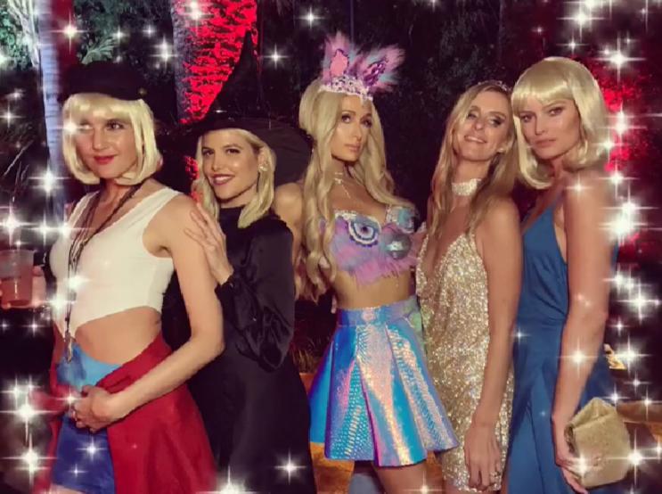Стюардесса и кукла Барби: какие образы на Хэллоуин выбрали звезды