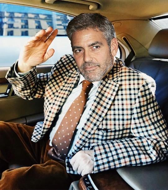 Кто это на заднем сидении авто представительского класса? Российский юморист или Джордж Клуни?