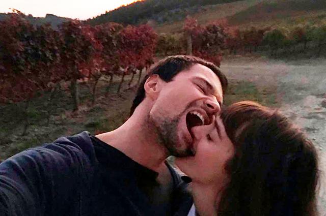 Поцелуи и прогулки: Данила Козловский и Ольга Зуева поделились очень милыми снимками из Италии