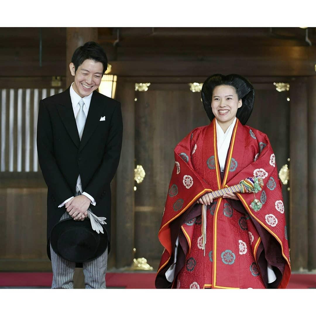 Японская принцесса отказалась от титула ради свадьбы с менеджером среднего звена