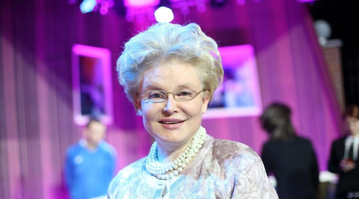 «Что с женщиной творит диета!»: Елена Малышева начала ходить по дорогим бутикам, похудев на 10 кг