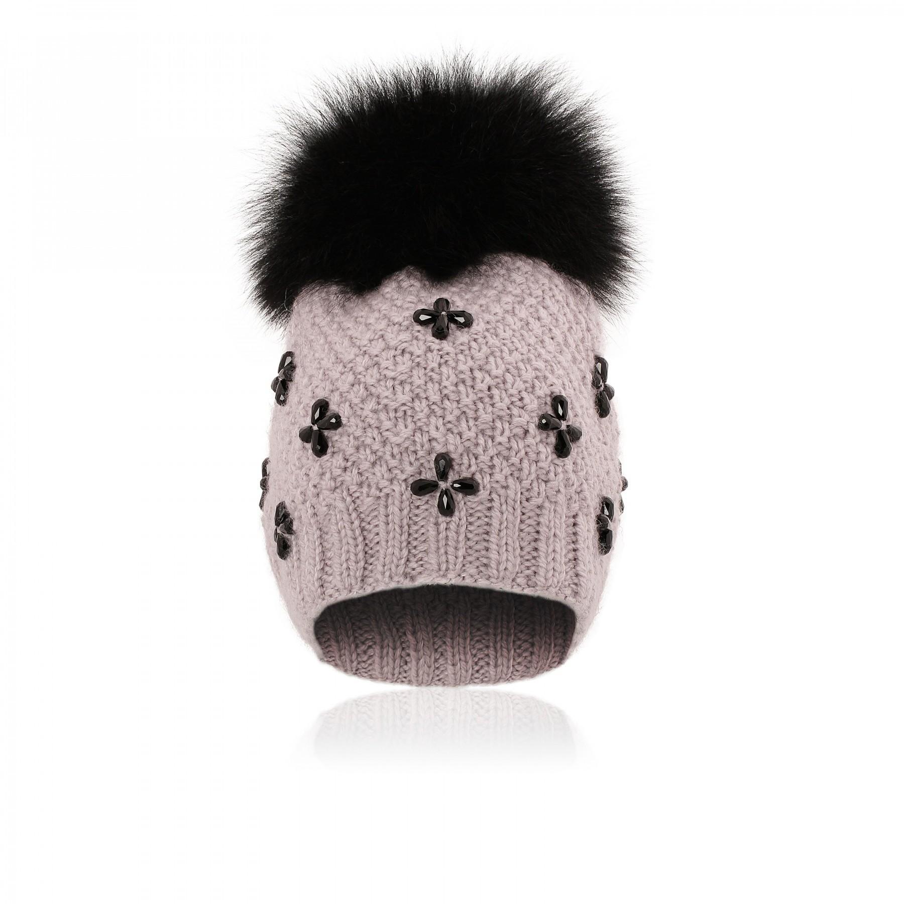 В гардеробе европейки можно встретить широкополую шляпу, шапку крупной вязки, изящный берет нафранцузский манер, но только небабетту. Потому что это откровенный кошмар. Украшенная страз...