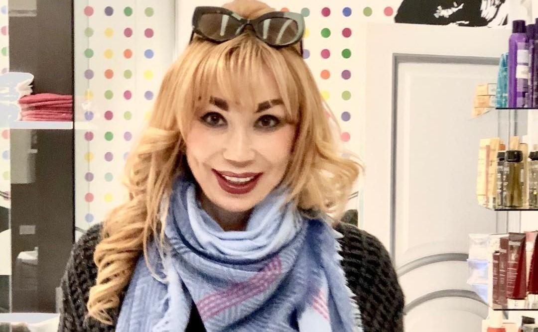«А где пупок?»: 53-летняя Маша Распутина опубликовала фото в мини-бикини и подверглась травле