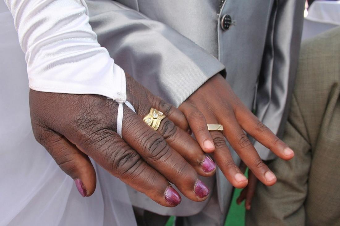 9-летний мальчик женился на 62-летней женщине и объяснил свой выбор