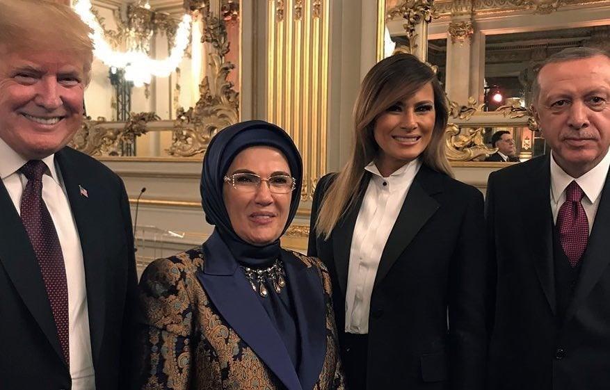Брижит Макрон затмила Меланию Трамп на встрече в Париже