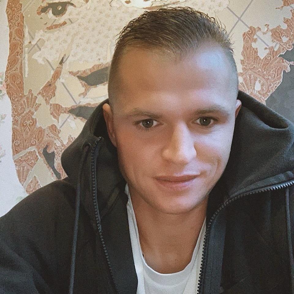 Дмитрий Тарасов просит снизить алименты на первого ребенка через суд