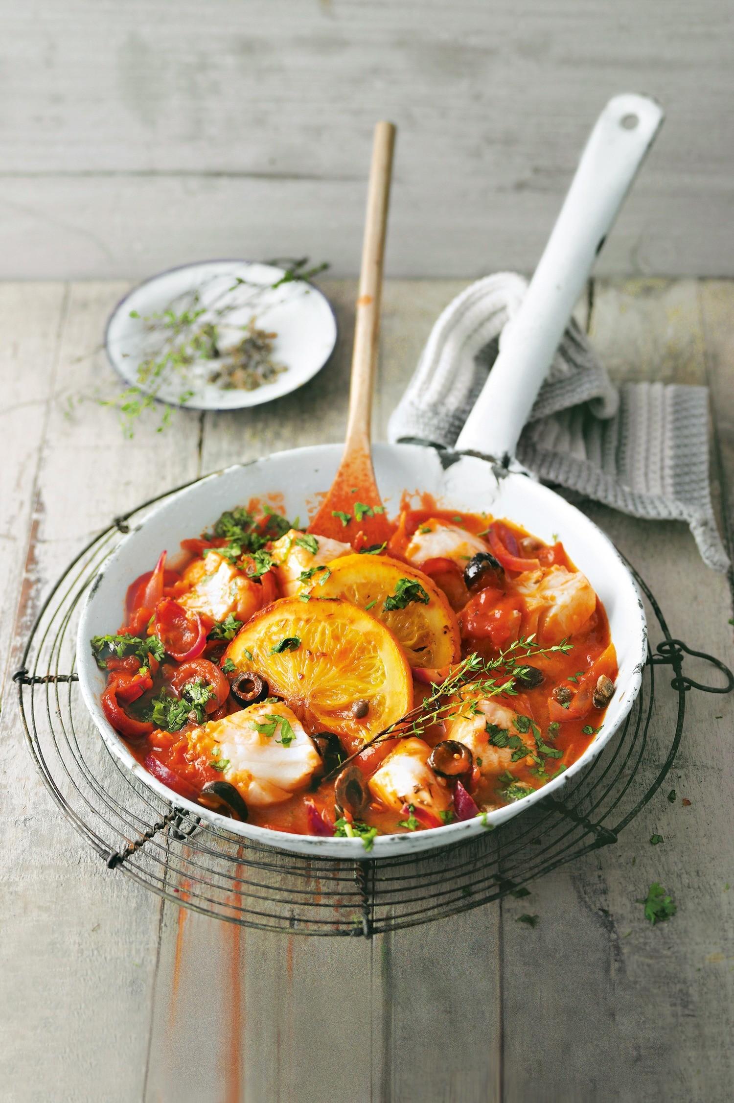 Белая рыба в апельсиново-томатном соусе