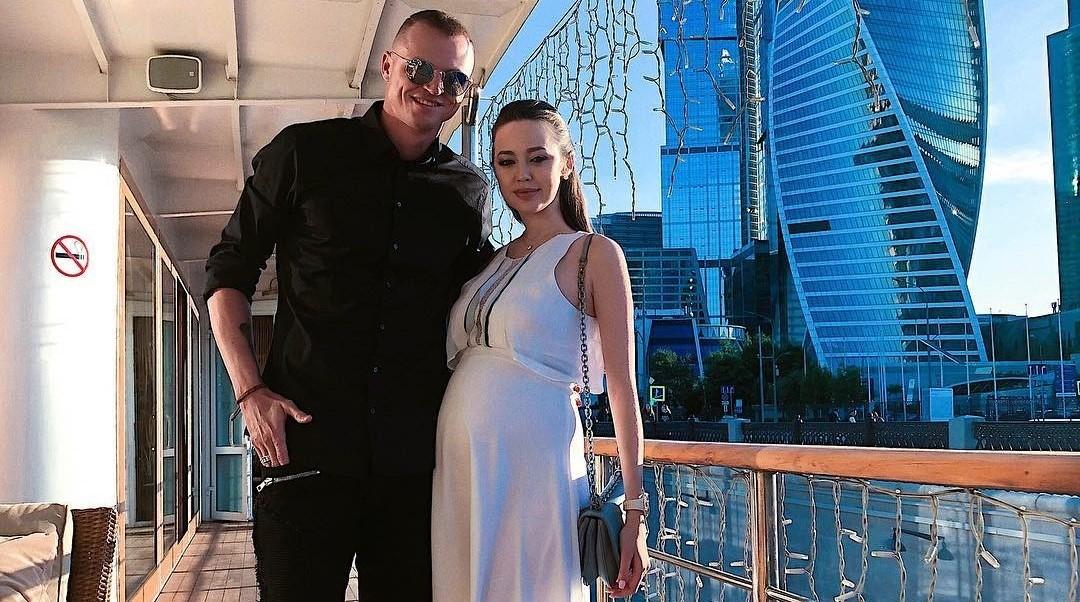Дмитрий Тарасов вновь отобрал у жены автомобиль