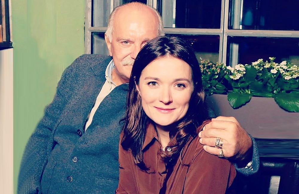 Надежда Михалкова призналась, что ее знаменитый отец в семейной жизни невыносим