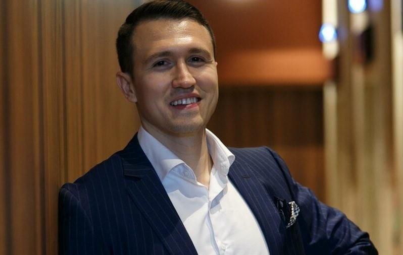 Участник «Замуж за Бузову» Евгений Назаров женится спустя месяц после знакомства