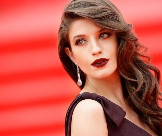 7 вопросов звездному визажисту, чтобы сделать фотогеничный макияж на праздник