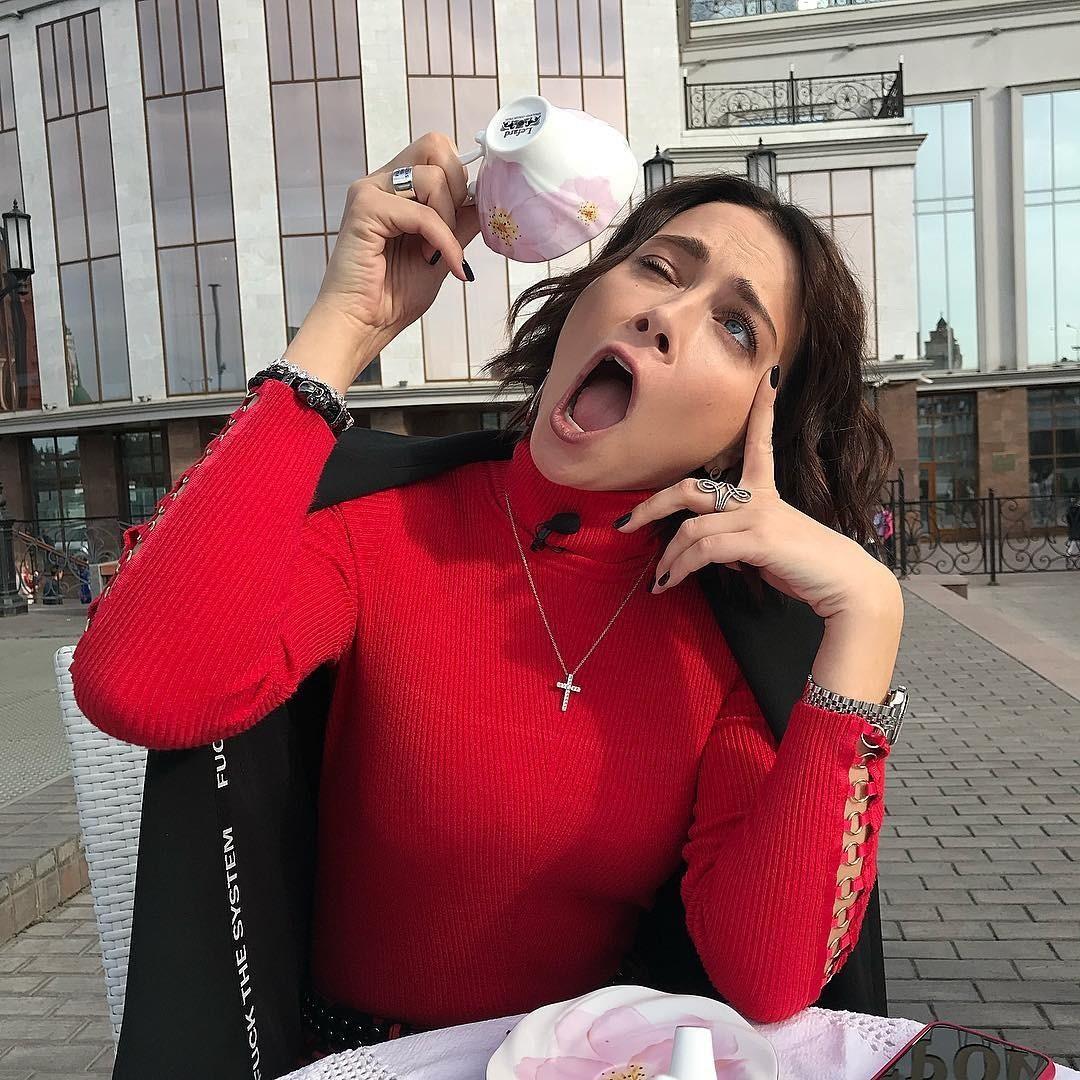 Настасья Самбурская высмеяла молодых мам