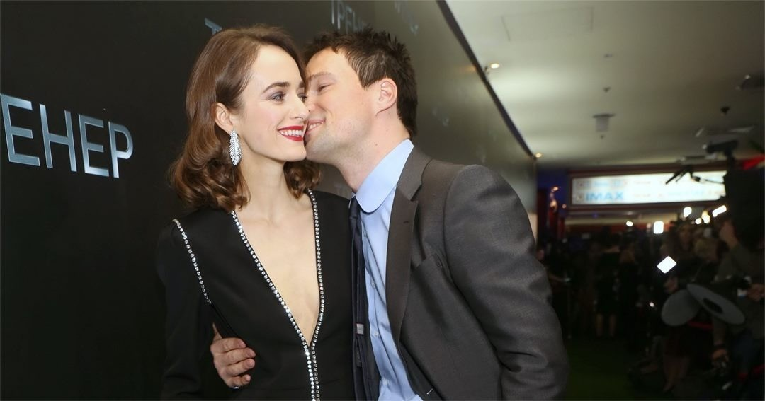 «Какого числа свадьба»?: в сети обсуждают помолвку Данилы Козловского и Ольги Зуевой