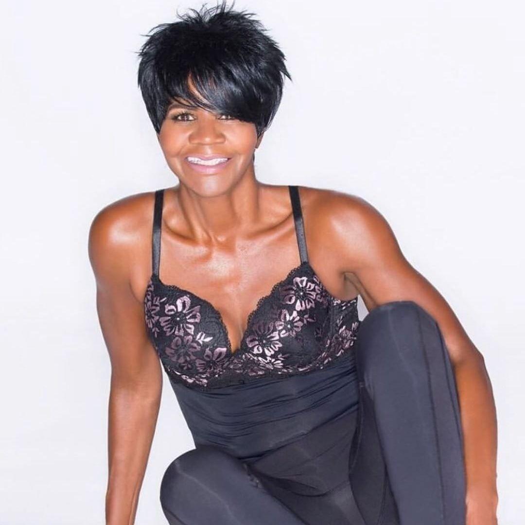 Жительница американского города Атланта Эллен Эктор насвоем примере доказала, что стать фитнес-блогером можно влюбом возрасте. «Однажды утром я проснулась ипоняла, что мне уже 60. Шест...