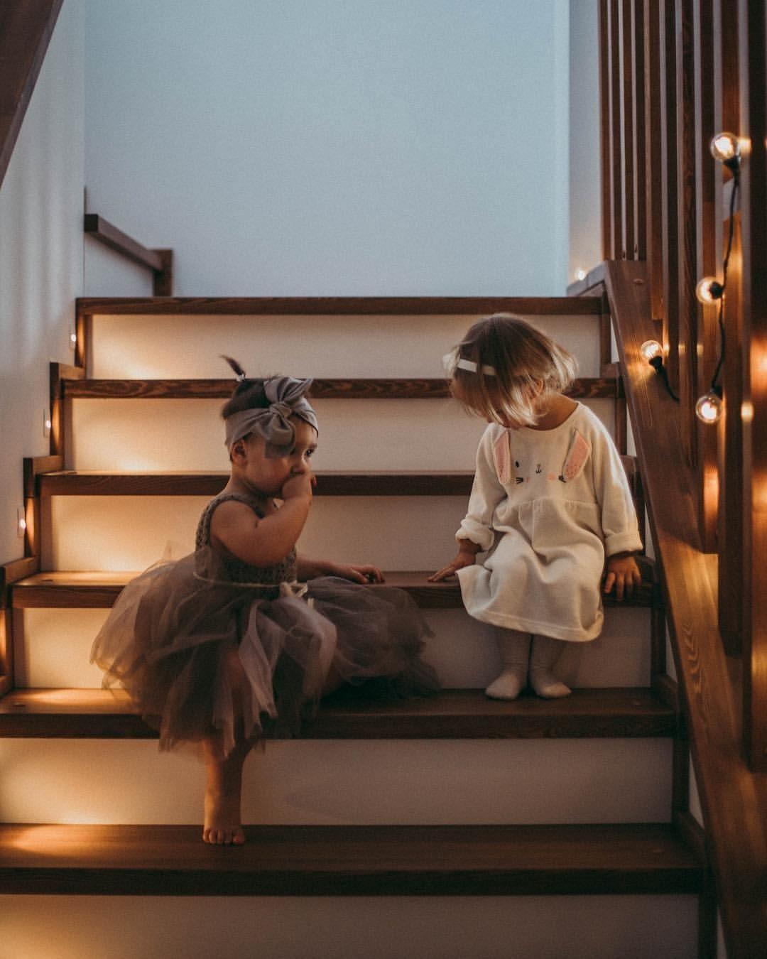 5 приемов, как научить стеснительного ребенка общаться