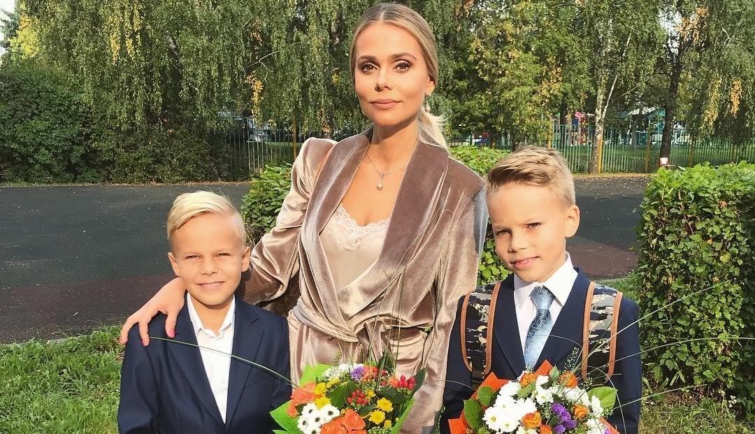 Солистка «Блестящих» Ксения Новикова развелась с мужем