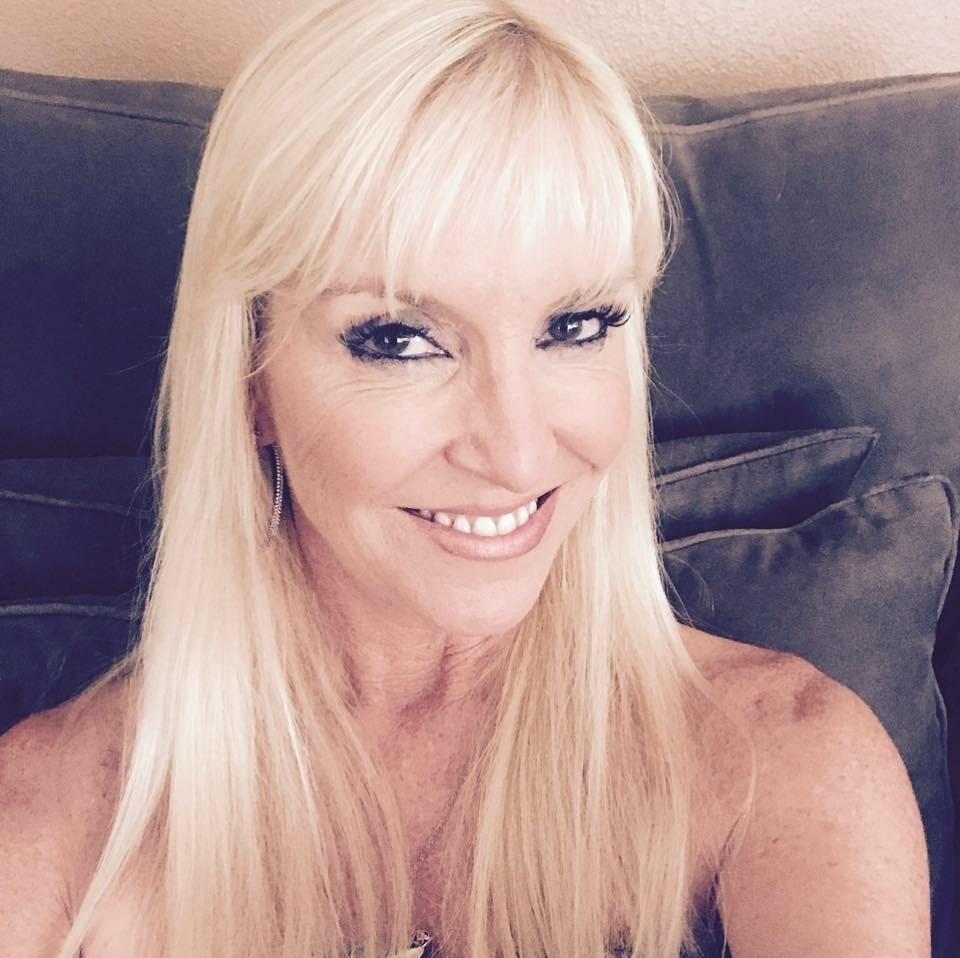 Ранее Марджори Мун рассказала Buzzfeed News о своем неудачном свидании с мошенником. Женщина говорила, что ей сразу же понравился Пол – мужчина показался жительнице Лос-Анджелеса «нормаль...