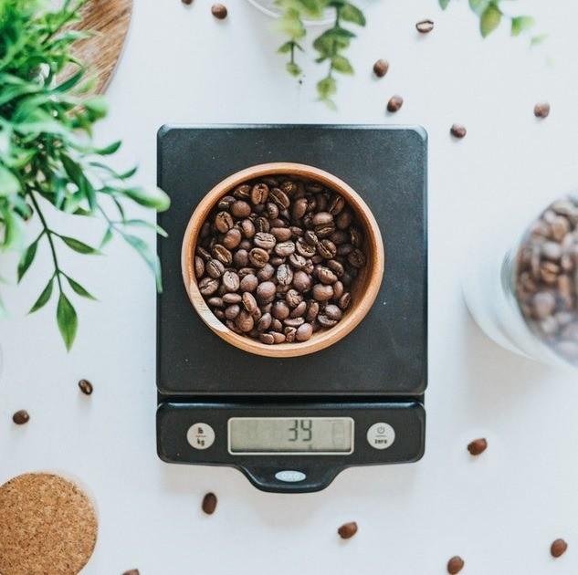 Кухонные весы — незаменимый помощник для кулинара. Успех в приготовлении многих блюд зависит от правильных пропорций продуктов, так что без весов тут просто не обойтись. А уж тем, кто люб...