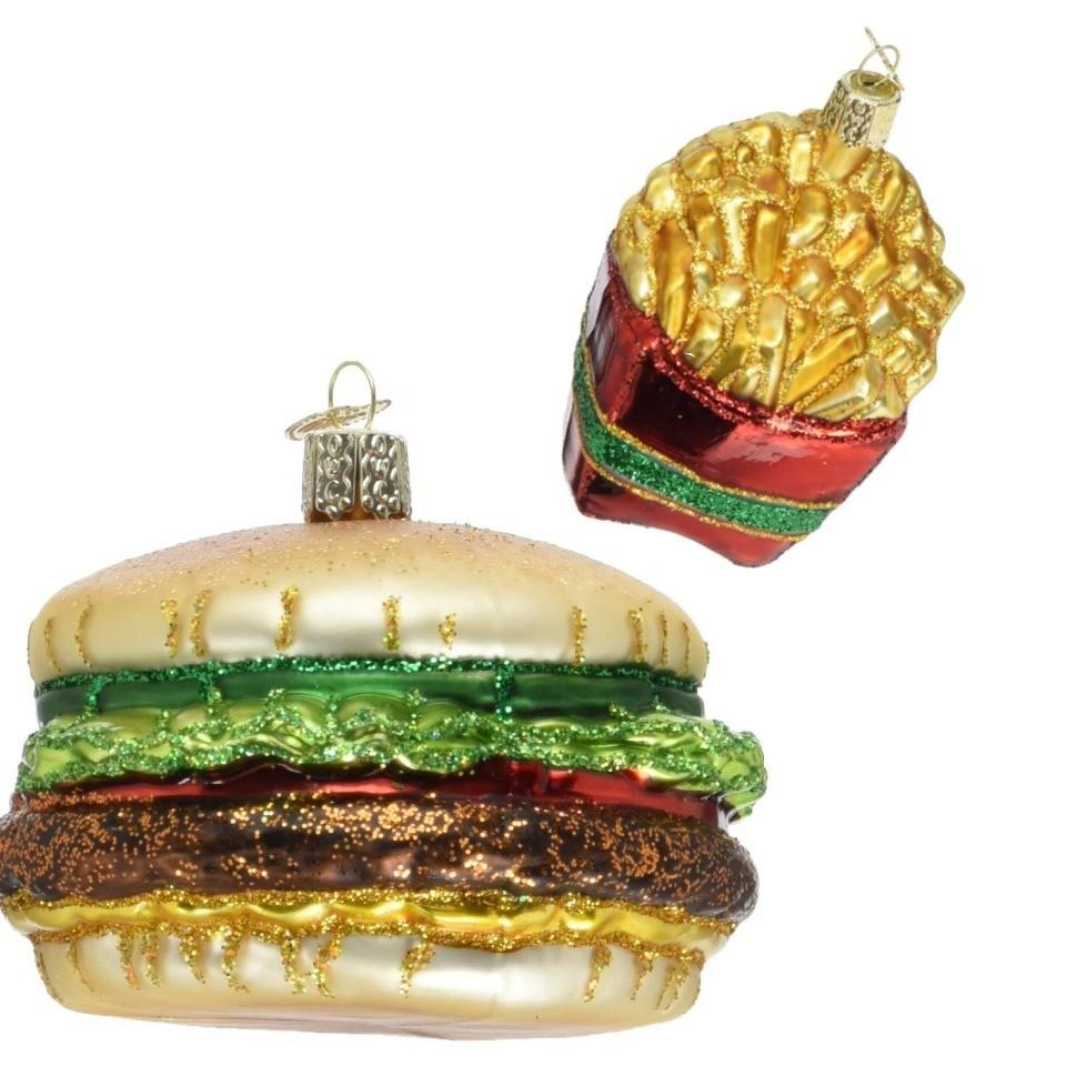 Игрушечные картофель фри и чизбургер – выбор человека, сидящего на диете. Даже в новогоднюю ночь. Фастфуд на елке станет приятным воспоминанием о вкусной и калорийной пище, от которой при...