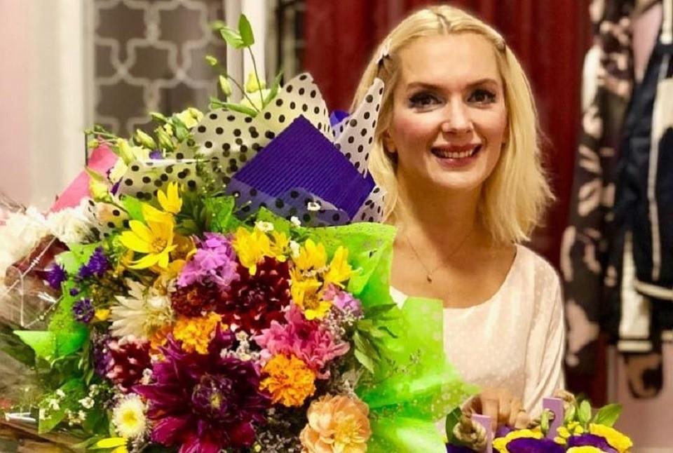 Беременная Мария Порошина похвасталась роскошным коттеджем