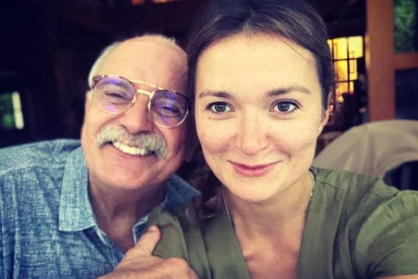 Никита Михалков признался, что обидел одну из дочерей на съемочной площадке