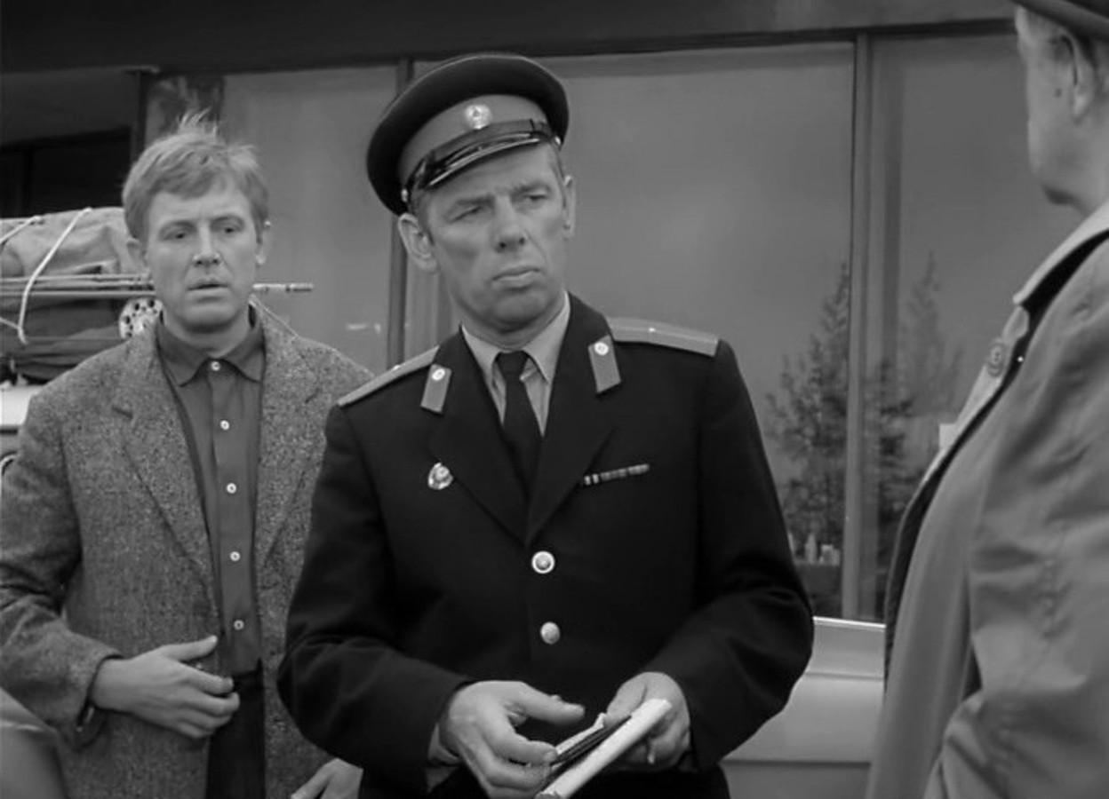 В кино Жженов начал активно сниматься в 60-х годах. Тогда ему уже было за 50 лет. Благодаря своему другу, Кеше Смоктуновскому, он получил роль в фильме Рязанова «Берегись автомобиля». Пос...