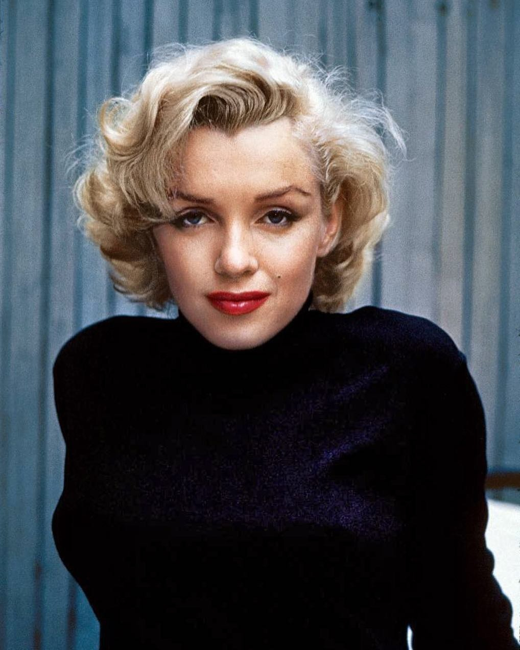 К несчастью, пророчество девушки сбылось: Мэрилин Монро умерла ввозрасте 36 лет. Вночь с4 на5 августа 1962 актриса приняла большую дозу снотворного ибольше непроснулась. Оее зависи...