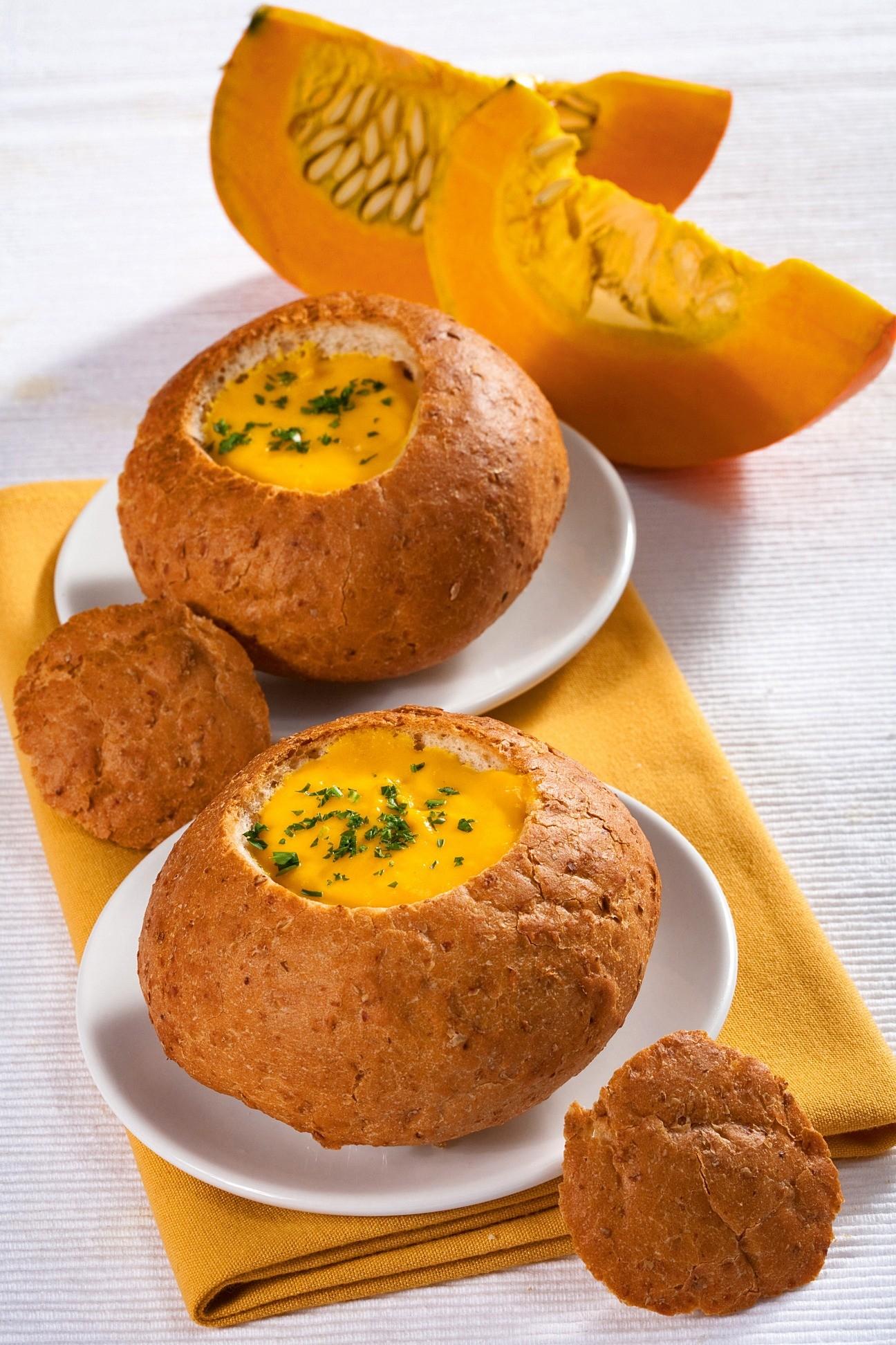 Крем-суп в хлебе