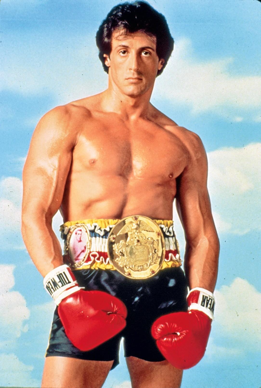Один изсамых мускулистых актеров может похвастаться нетолько мышцами,но ивеликолепной эрудицией.Его IQ составляет 160! Вначале актер учился вшколе длятрудных подростков, где надни...